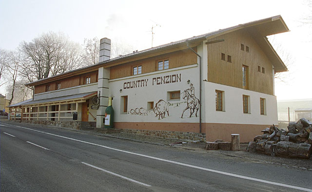 Country saloon, penzion a steak restaurace